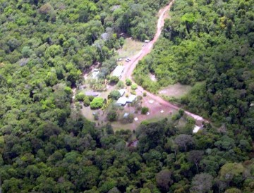 Le site vue du ciel / Sky view of the lodge